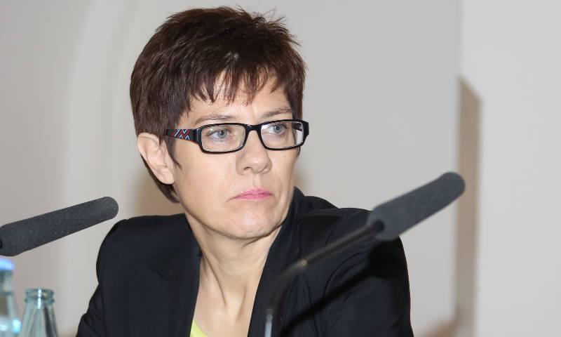 Derzeitige Amtsinhaberin: Annegret Kramp-Karrenbauer (CDU)